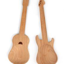 Couverts à salade en forme de guitare
