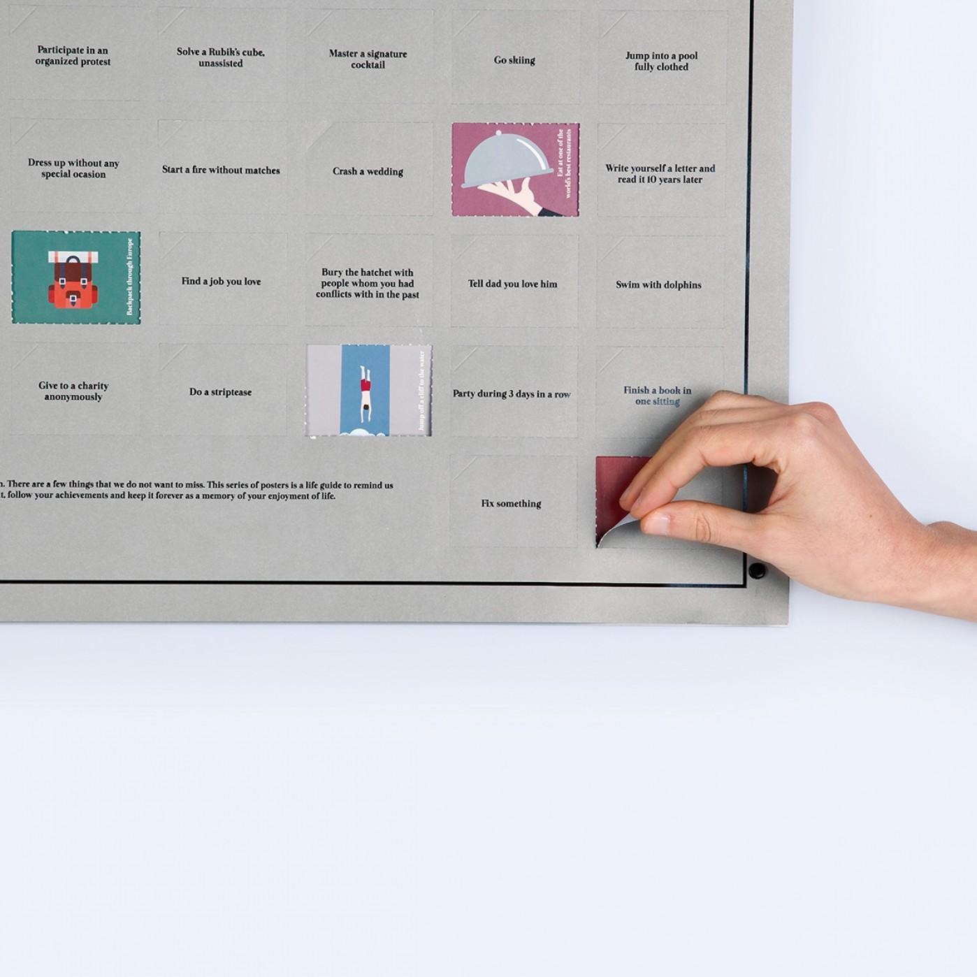 poster 100 choses que vous devez faire avant de mourir id e cadeau france. Black Bedroom Furniture Sets. Home Design Ideas